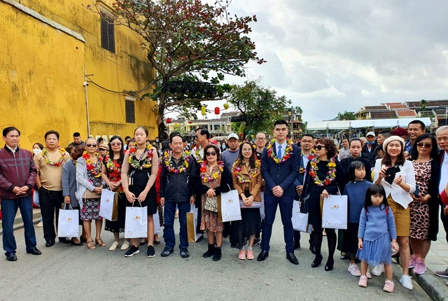 Quảng Nam: Đón đoàn khách đầu tiên xông đất phố cổ Hội An năm 2021