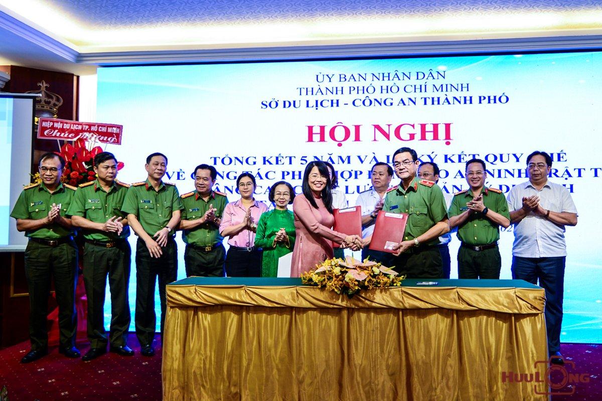 Hội nghị tổng kết 5 năm và Lễ ký kết quy chế về công tác phối hợp bảo đảm an ninh trật tự, nâng cao chất lượng quản lý du lịch tại Thành phố Hồ Chí Minh