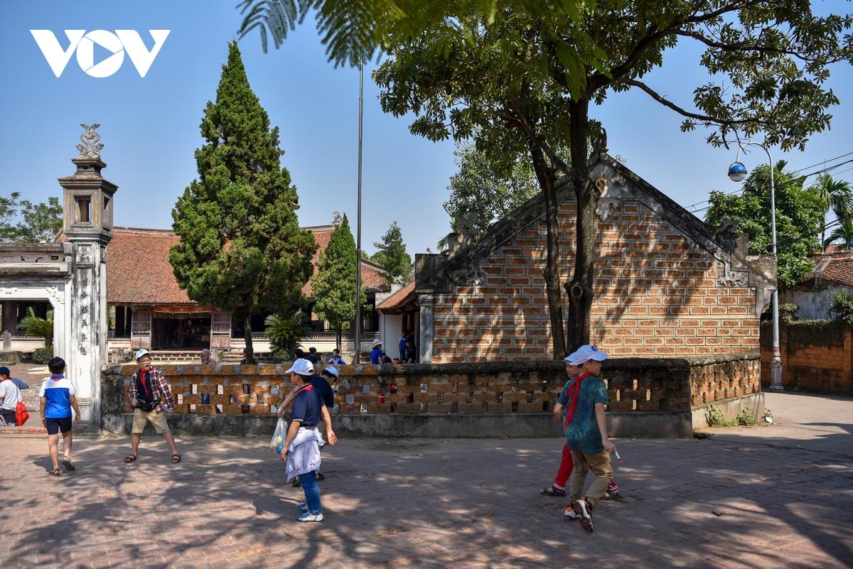 Tái hiện tết truyền thống tại Làng cổ Đường Lâm