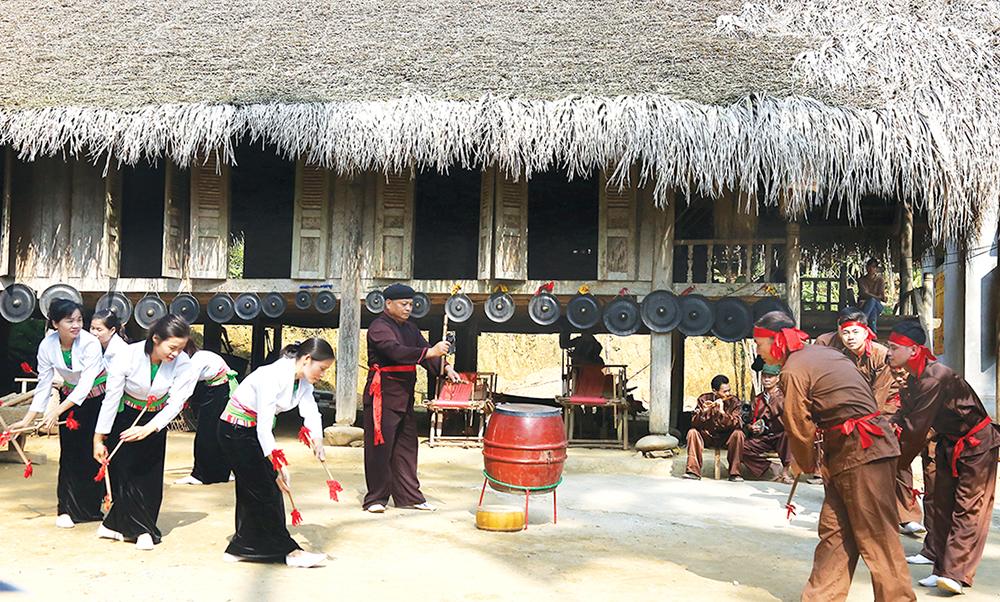 Phú Thọ: Phát triển đời sống văn hóa từ giữ gìn bản sắc