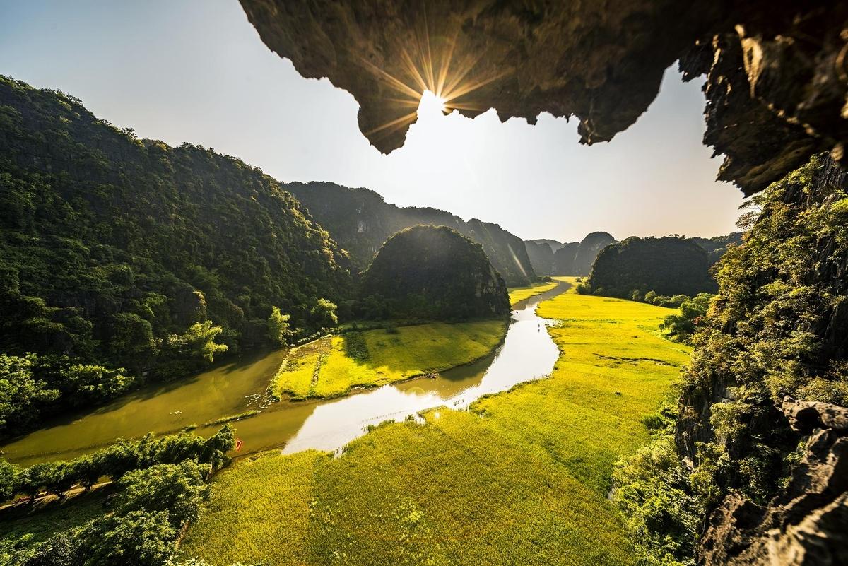 Chiêm ngưỡng từ trên cao vẻ đẹp của những điểm đến nổi tiếng ở Ninh Bình