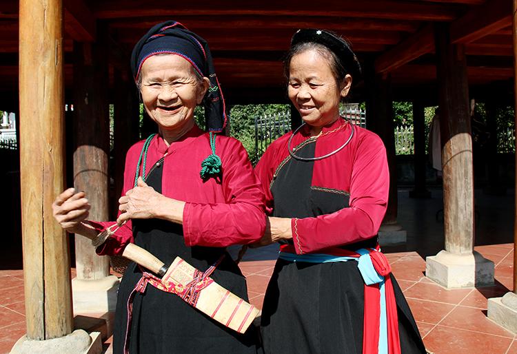 Nét hoa văn trên trang phục truyền thống các dân tộc ở Phú Thọ