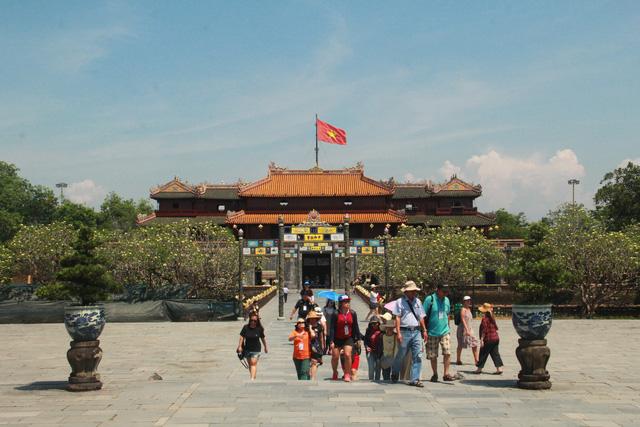 Thừa Thiên Huế mở cửa phục vụ du khách tham quan ngoài trời tại một số điểm di tích
