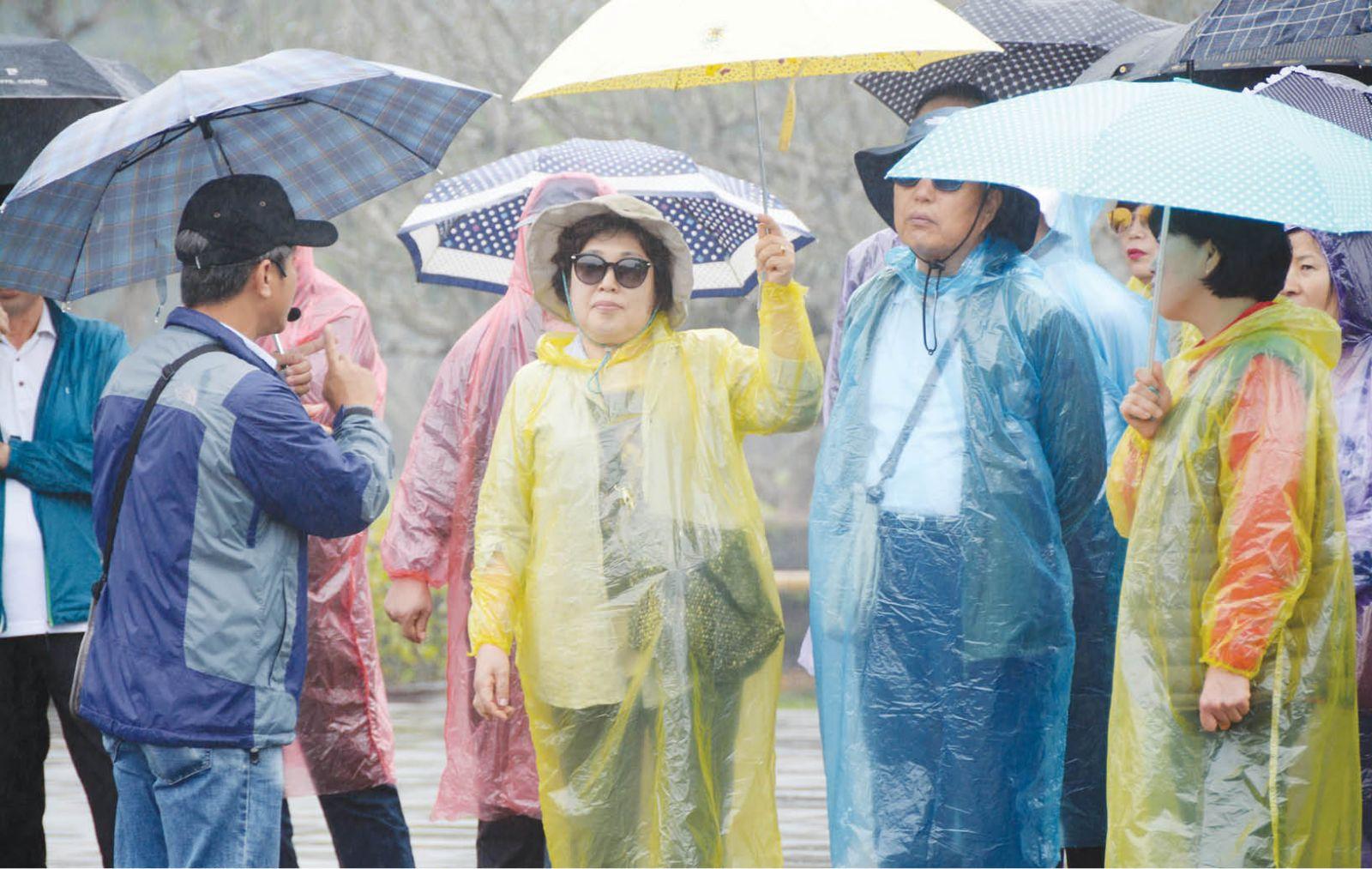 Từ việc thu hút khách nhờ mưa ở Ukraine nghĩ về Huế