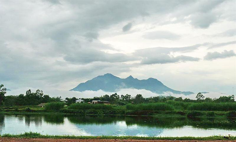 Hà Nội: ''Nắng Sơn Tây, mây Ba Vì''