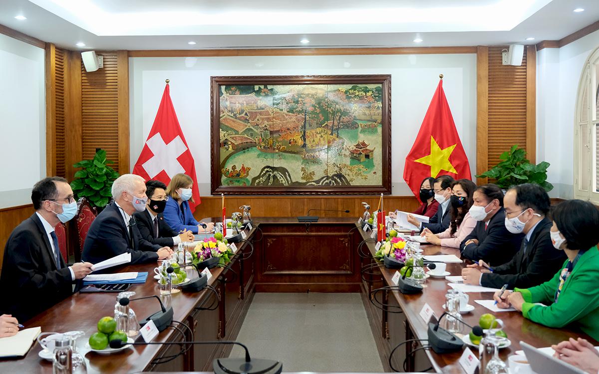 Việt Nam - Thụy Sỹ tăng cường hợp tác giao lưu văn hóa, phát triển du lịch bền vững