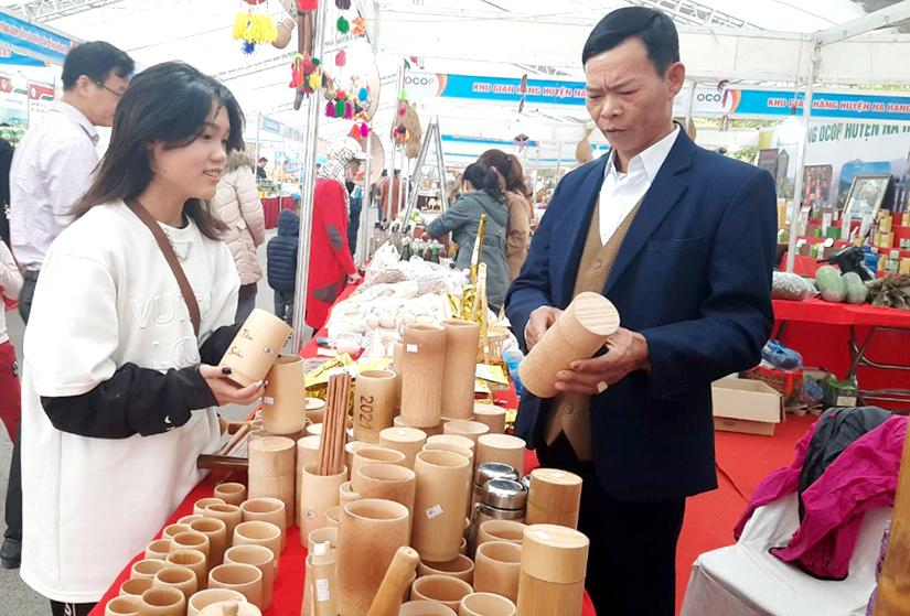 Sản phẩm lưu niệm du lịch ở Tuyên Quang cần hướng đi mới