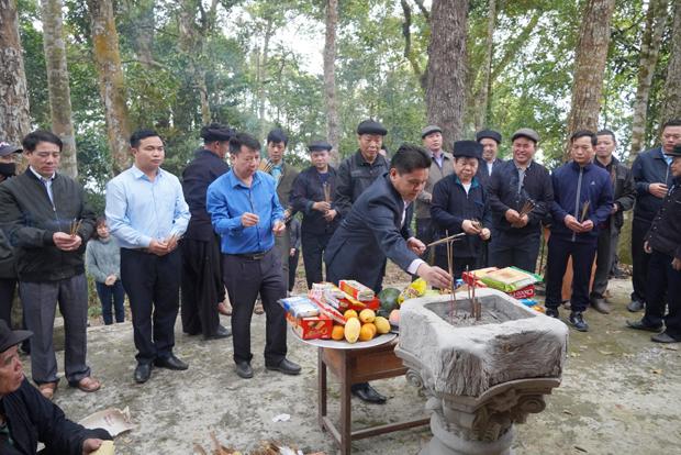 Xã Pố Lồ - Hoàng Su Phì tổ chức Lễ cúng thần rừng