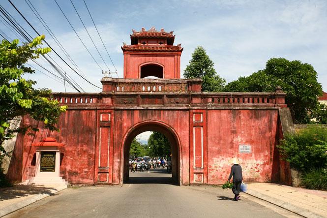 Khám phá thành cổ Diên Khánh