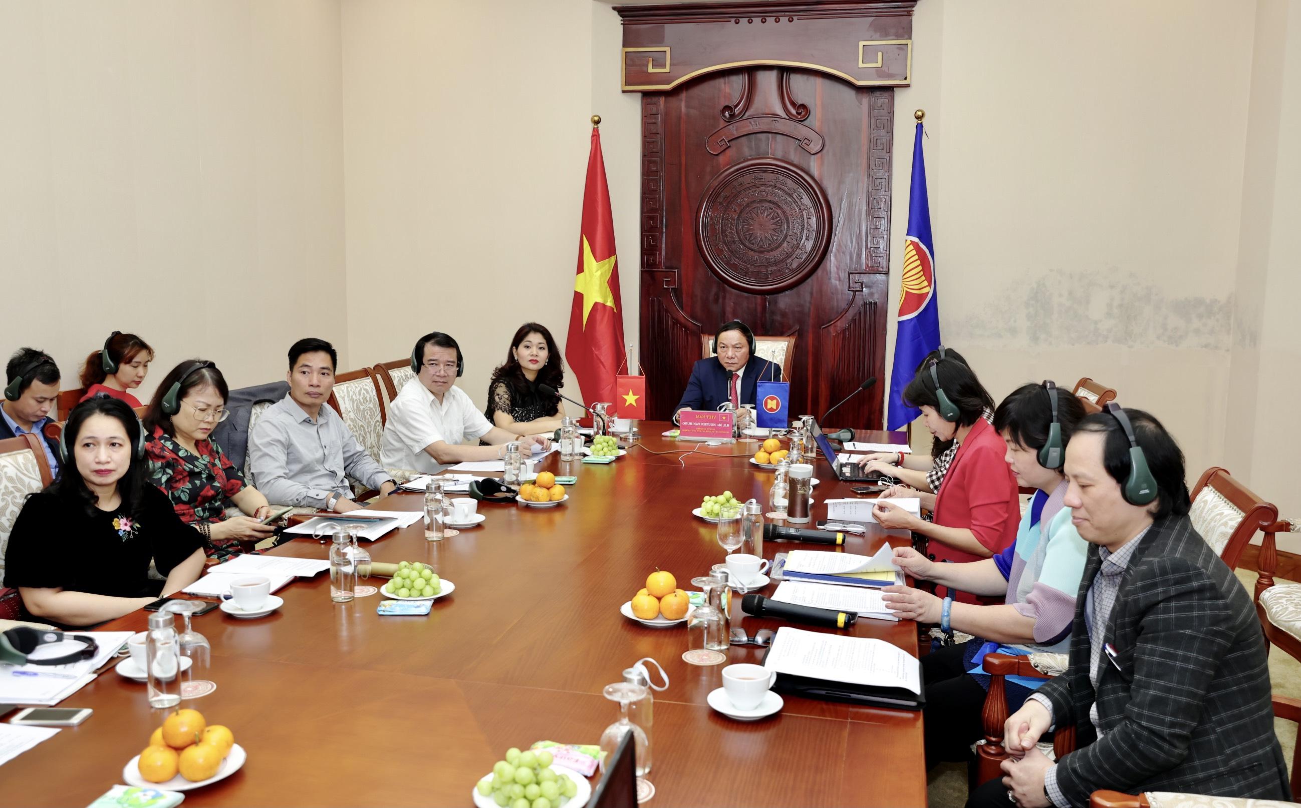 Thứ trưởng Nguyễn Văn Hùng họp trực tuyến với Hội đồng kinh doanh Hoa Kỳ - ASEAN bàn về hợp tác thúc đẩy phục hồi du lịch Việt Nam
