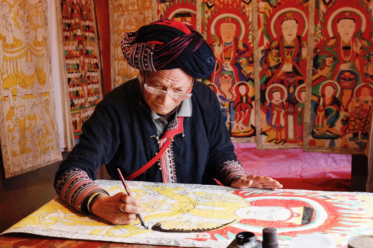 Nghề làm tranh thờ của người Dao đỏ