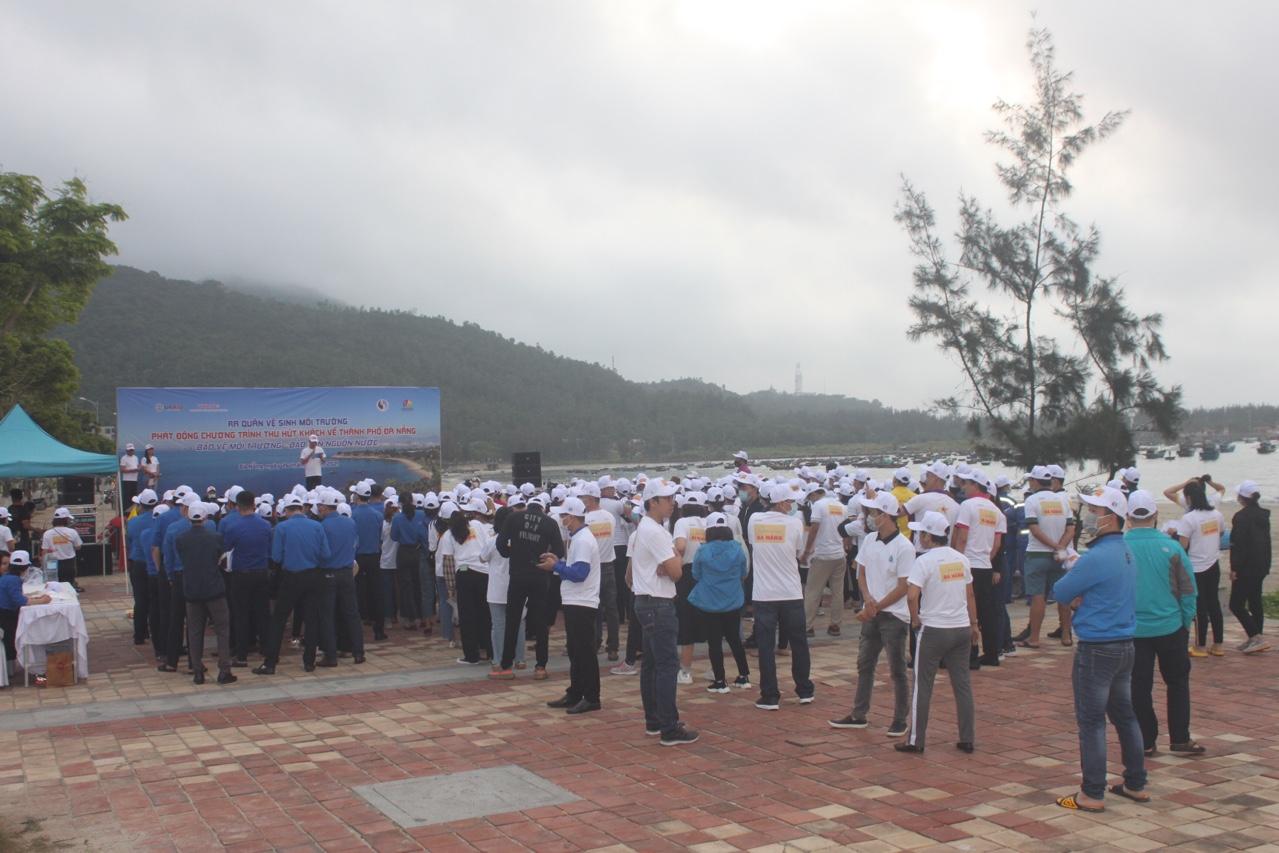 Đà Nẵng ra quân vệ sinh môi trường, đón khách du lịch
