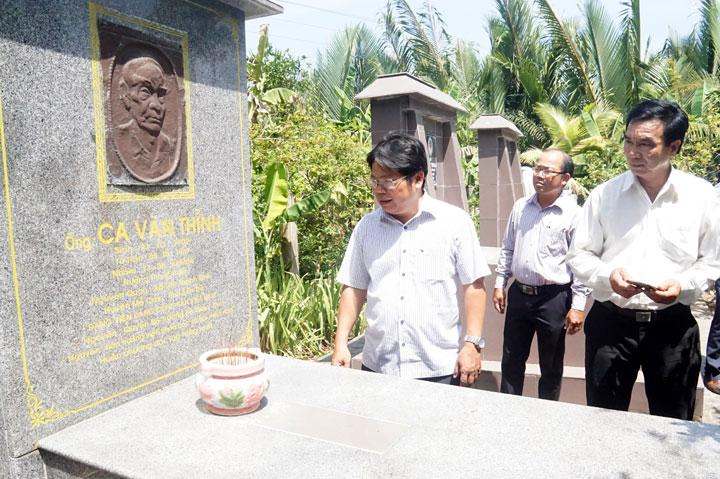 Khảo sát Di tích lịch sử văn hóa Khu lưu niệm Giáo sư Ca Văn Thỉnh, Bến Tre