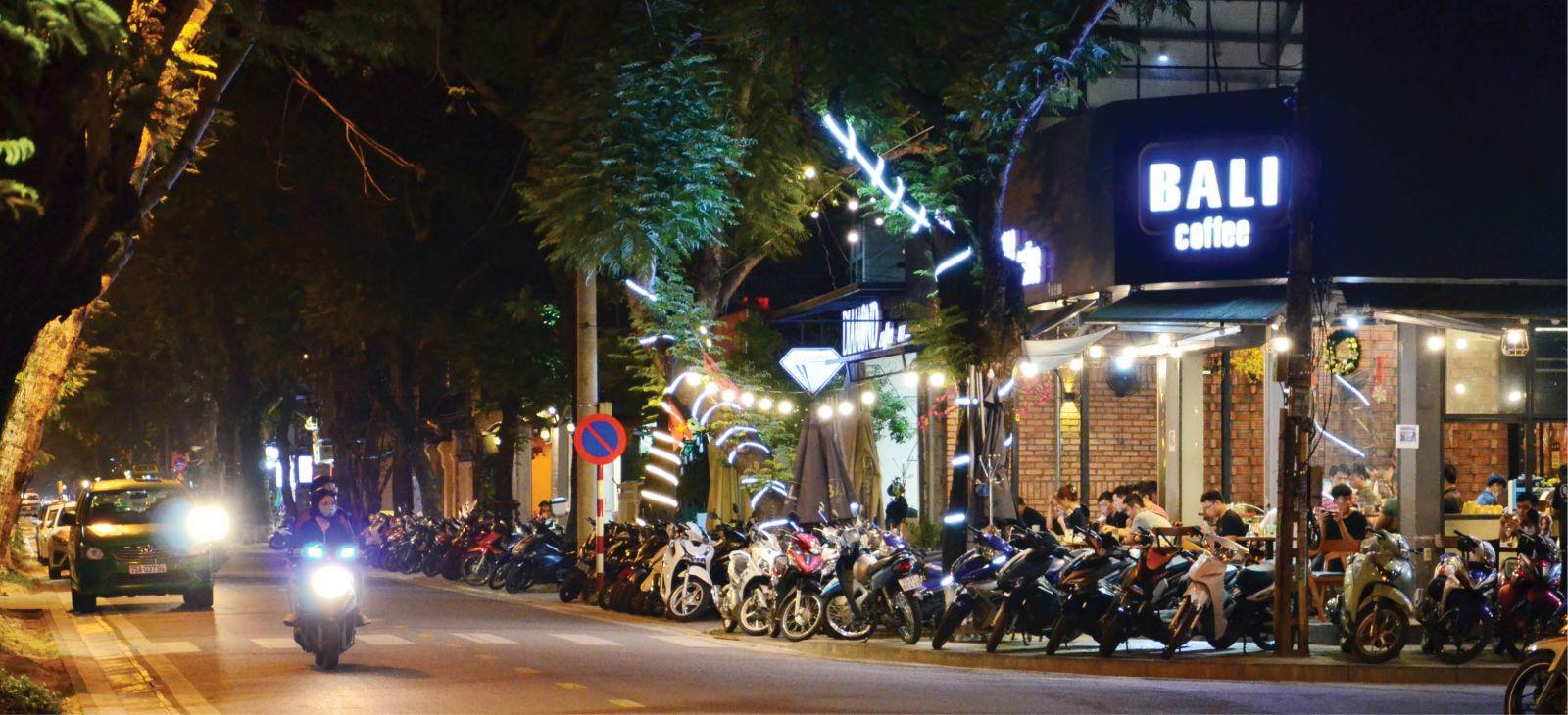 Thừa Thiên Huế: Khai thác hợp lý tuyến phố du lịch dịch vụ quanh Đại Nội