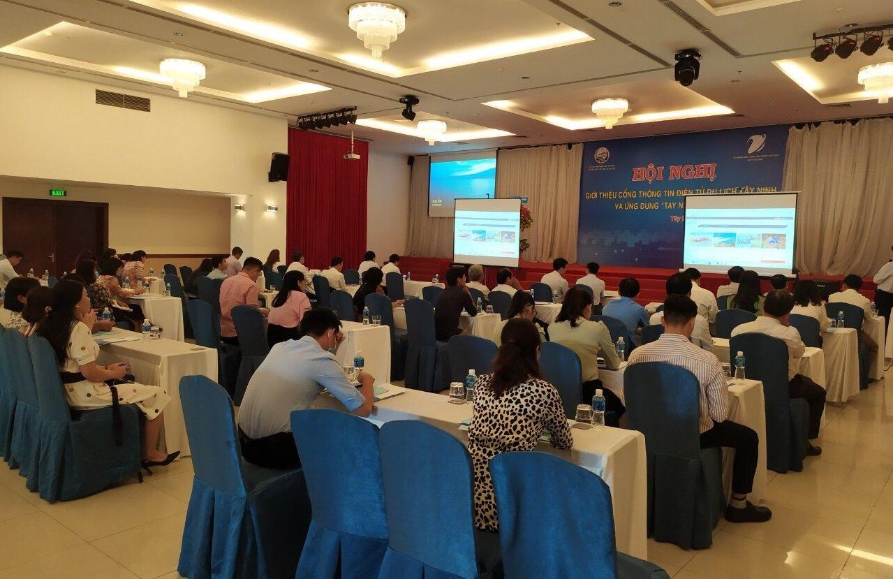 """Ra mắt ứng dụng """"Tay Ninh Tourism"""""""