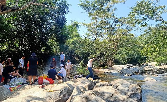 Khám phá suối Đồng Tre (Bình Định)