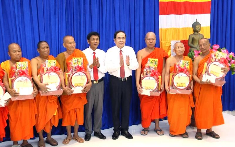 Đồng chí Trần Thanh Mẫn chúc Tết Chôl Chnăm Thmây tại Sóc Trăng, Cần Thơ