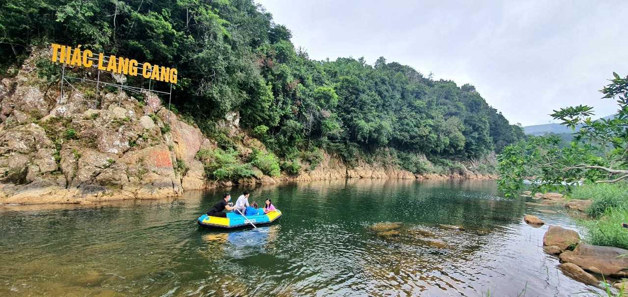 Khám phá thác Lang Cang (Quảng Ninh)