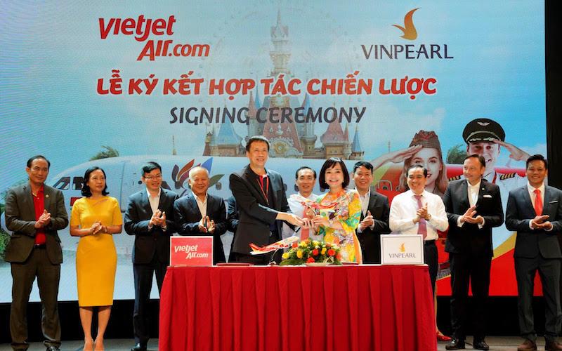 Vietjet ký hợp tác chiến lược cùng Vinpearl