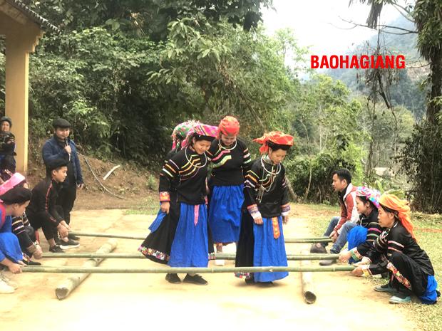 Phong phú kho tàng văn hóa của người Pu Péo ở Bắc Mê