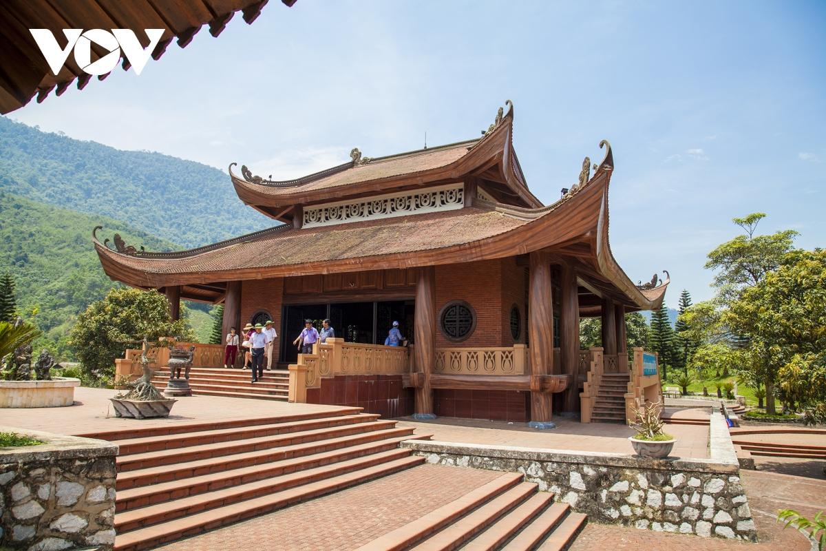 Du lịch Việt Bắc thu hút khách bằng bản sắc độc đáo