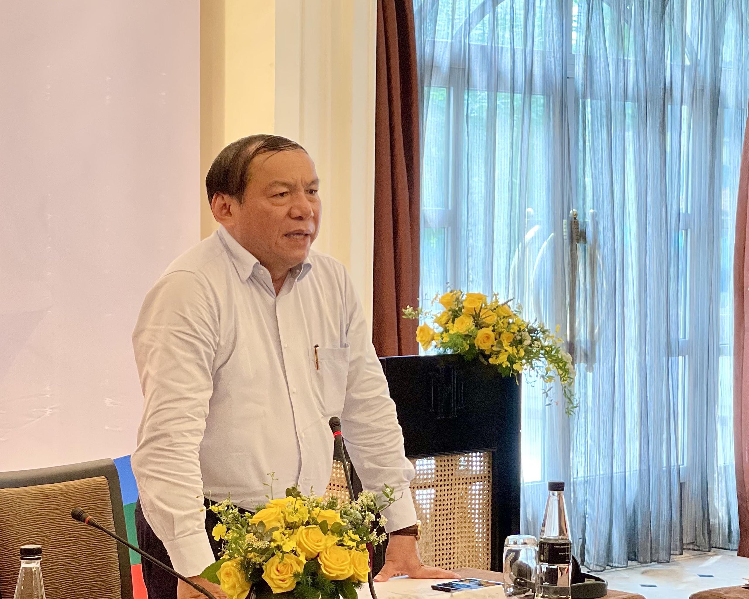 """Bộ trưởng Nguyễn Văn Hùng: Hội đồng Tư vấn du lịch cần """"bắt nhịp sớm, tiếp cận nhanh, tham mưu đúng tuyến"""" cho Bộ VHTTDL các giải pháp phục hồi du lịch"""