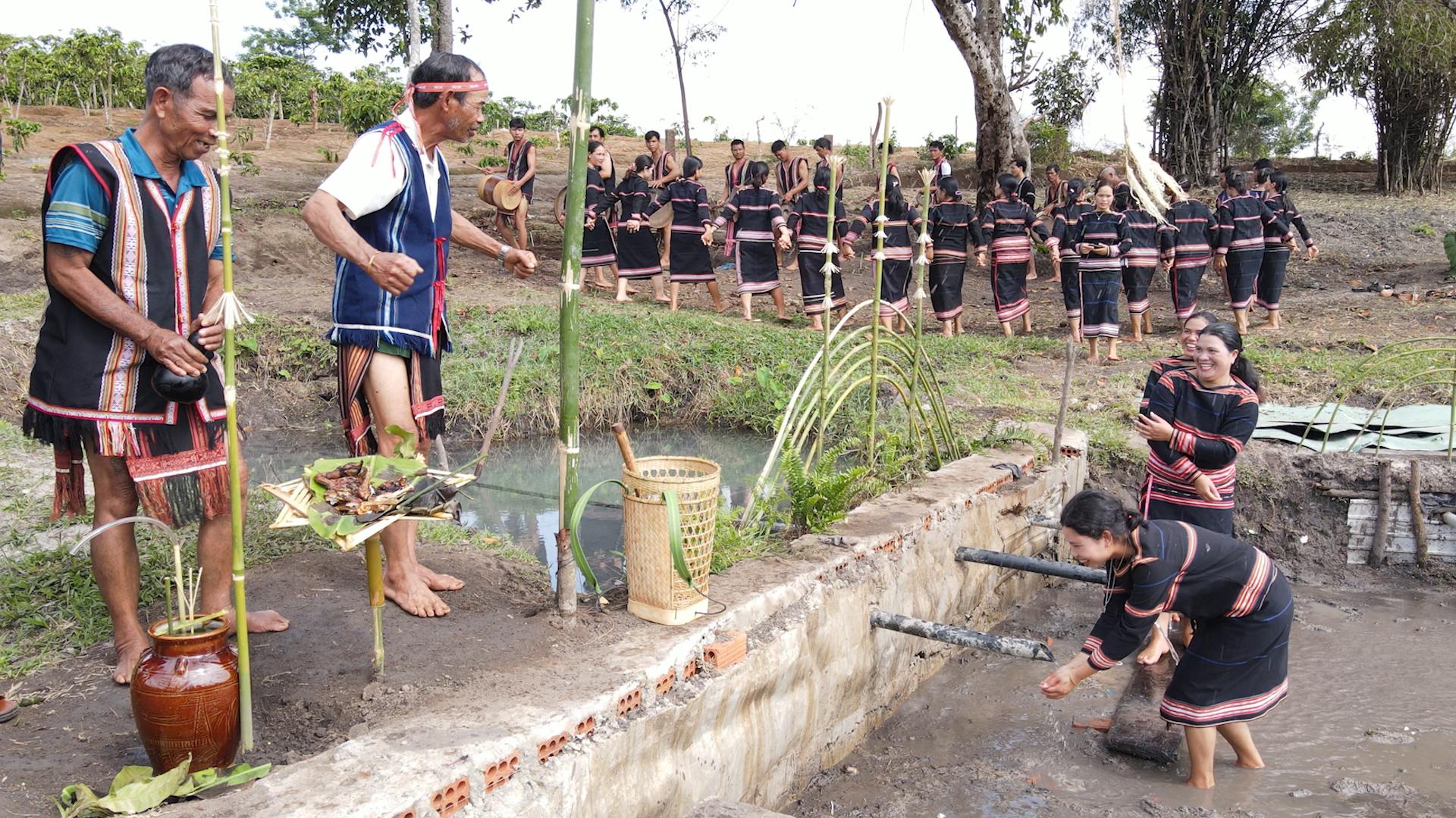 Đak Đoa (Gia Lai): Phục dựng lễ cúng giọt nước của người Jrai