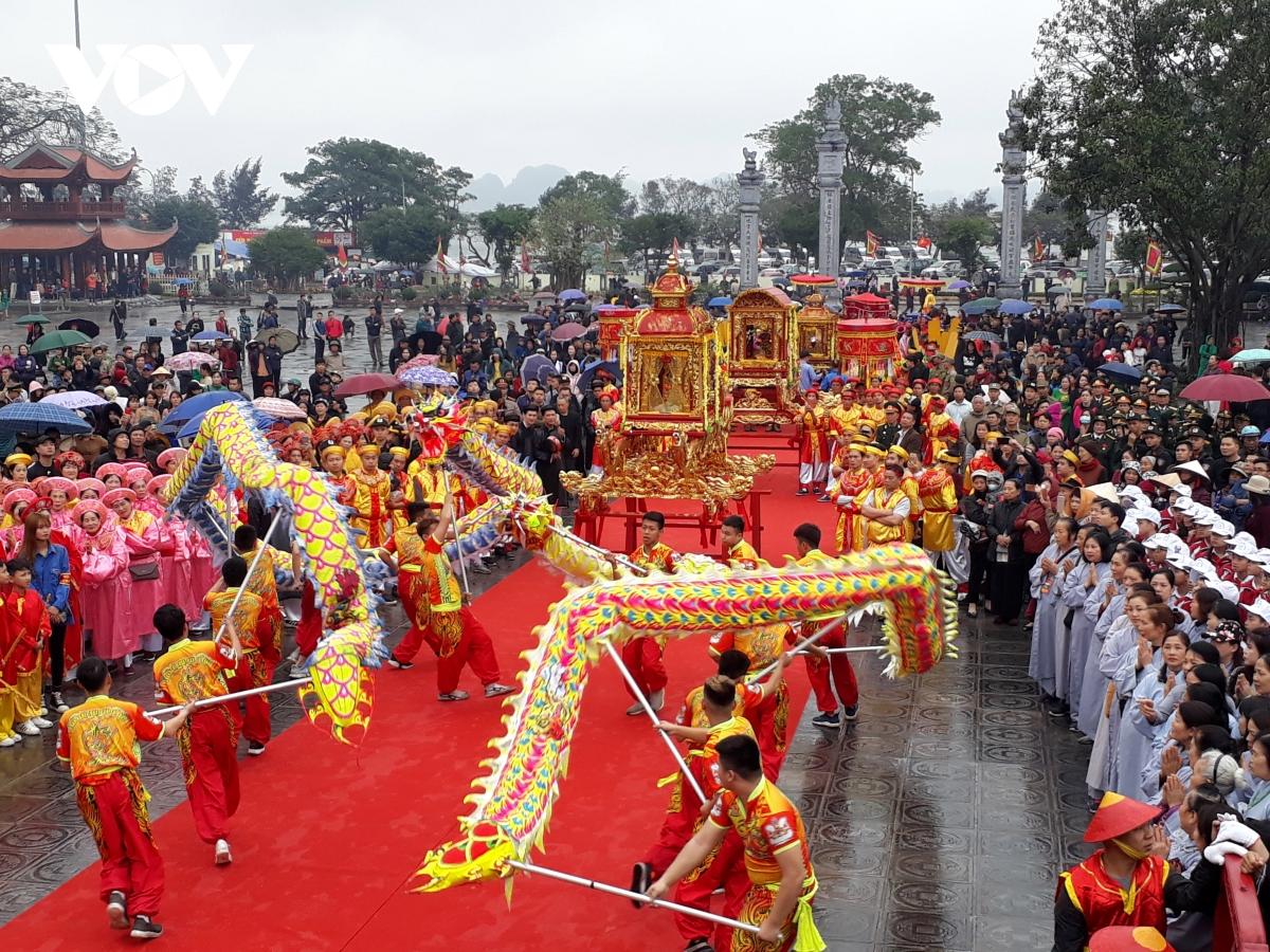 Quảng Ninh dừng tất cả các lễ hội văn hóa, tôn giáo đến hết ngày 23/5