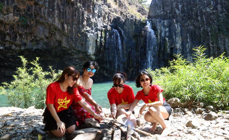 Tuy An(Phú Yên): Sớm đưa thác Vực Hòm và Vực Song trở thành điểm du lịch hấp dẫn