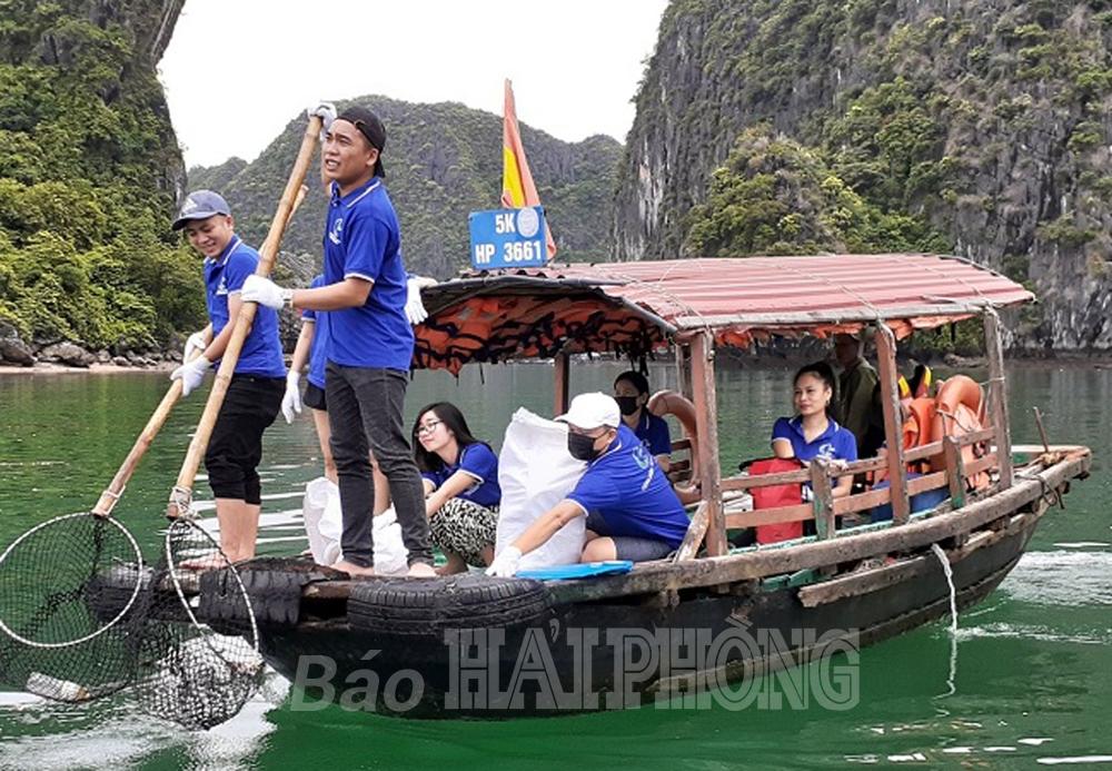 Bảo đảm vệ sinh môi trường khu du lịch Đồ Sơn, Cát Bà: Chuẩn bị mùa du lịch biển 2021