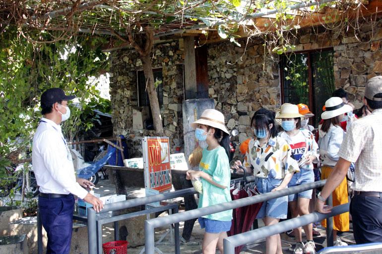 Hơn 32.000 lượt khách đến các điểm tham quan ở Phú Yên trong kỳ nghỉ lễ