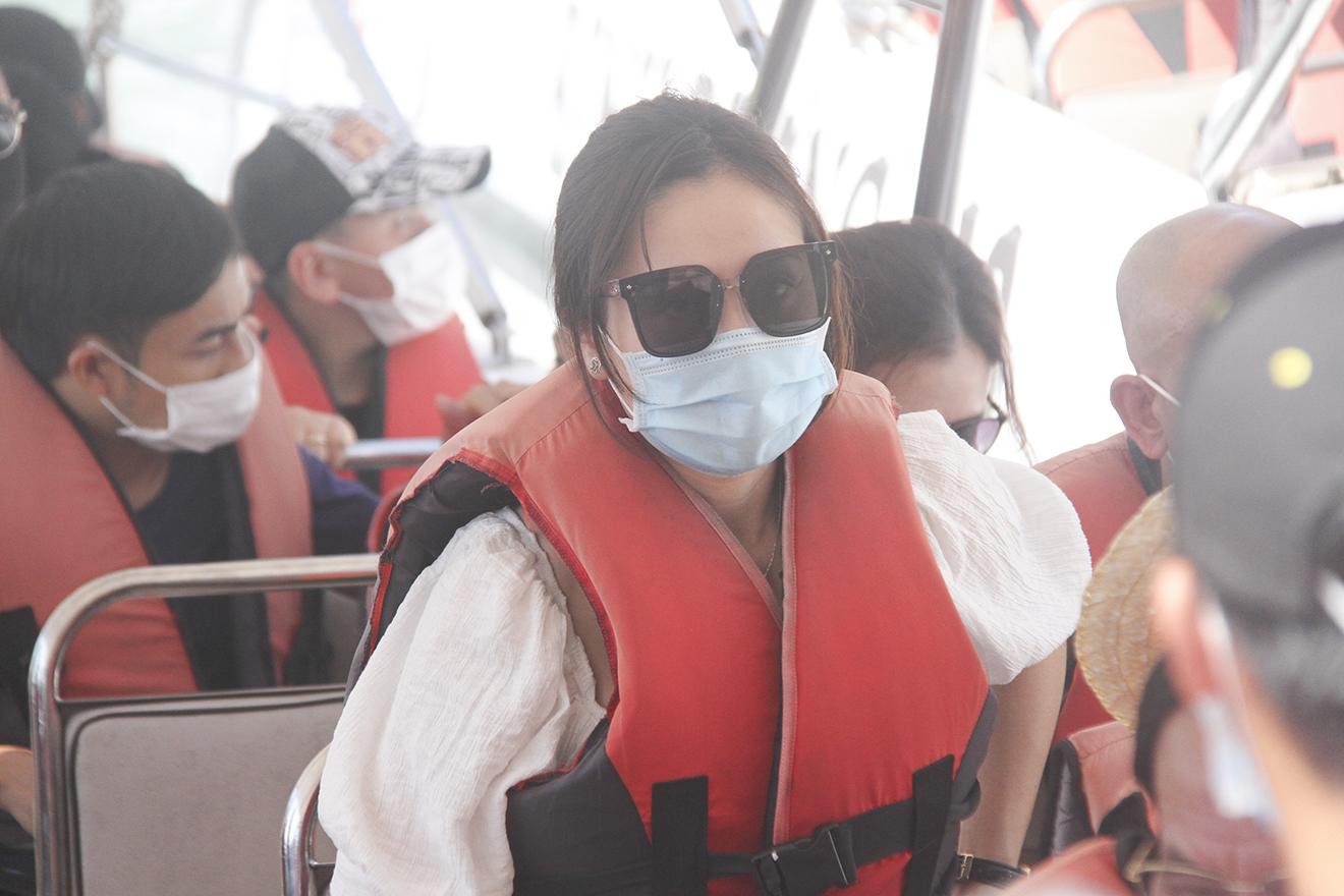 Khánh Hòa: Tạm dừng hoạt động quán bar, karaoke, vũ trường và yêu cầu người dân đeo khẩu trang khi ra đường