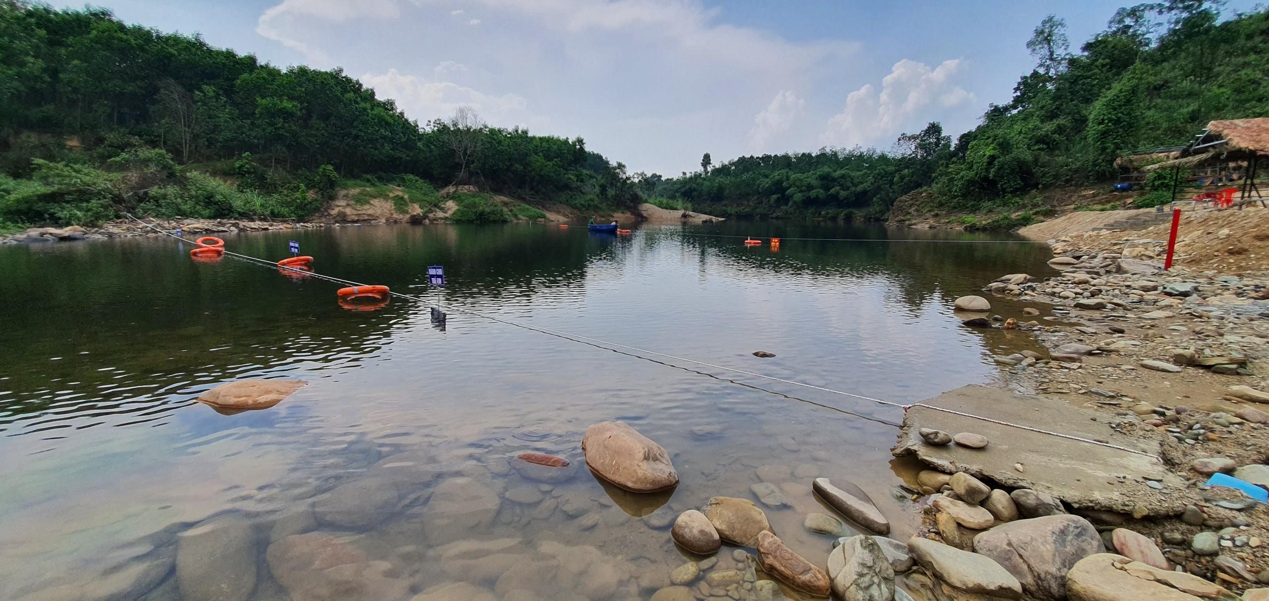 Thừa Thiên Huế: Công nhận điểm du lịch sinh thái Thượng nguồn Ô Lâu (Hầm Heo)