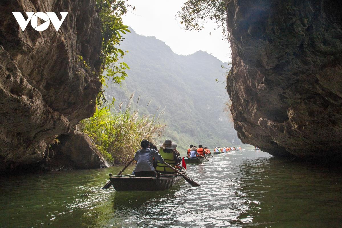 Du khách đến Ninh Bình dịp nghỉ lễ 30/4 tăng hơn 47% so với cùng kỳ năm 2020