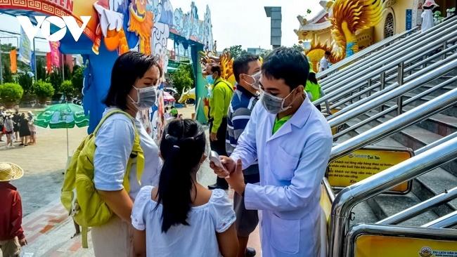 Sở Du lịch TP.Hồ Chí Minh yêu cầu cách ly ngay du khách bị sốt trên 37,5 độ C