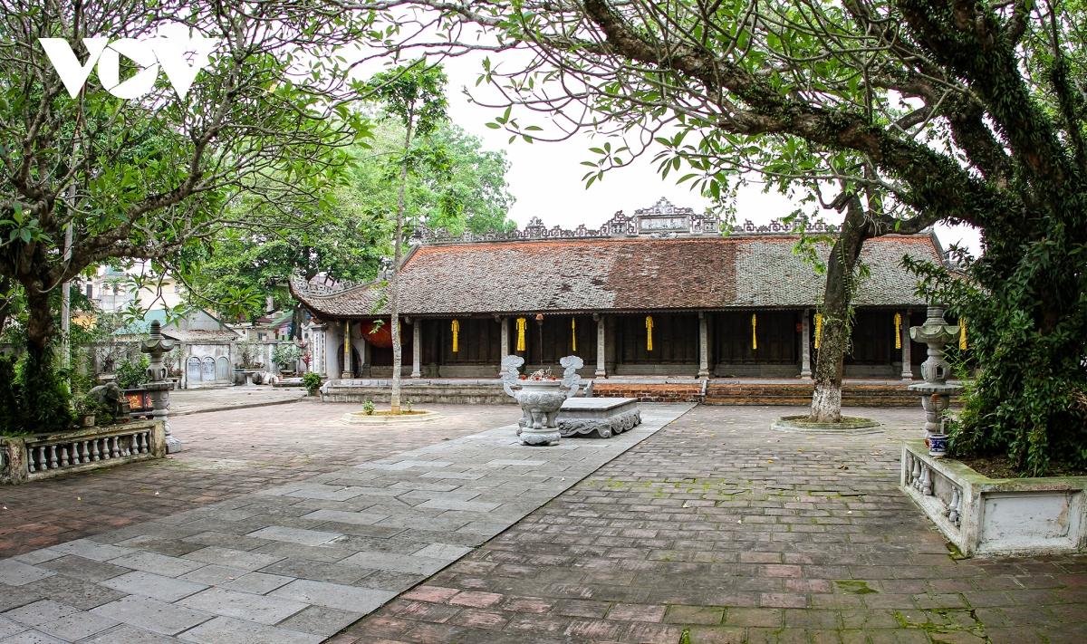 Về chùa Bối Khê ở Hà Nội chiêm ngưỡng vẻ đẹp tinh khiết của hoa sen đất