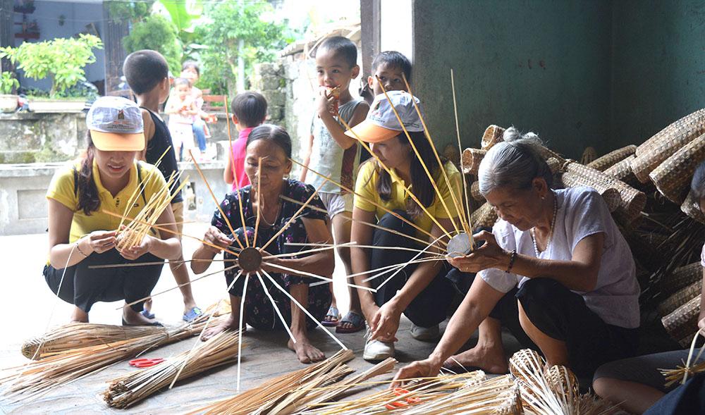 Phú Thọ phát triển làng nghề gắn với du lịch
