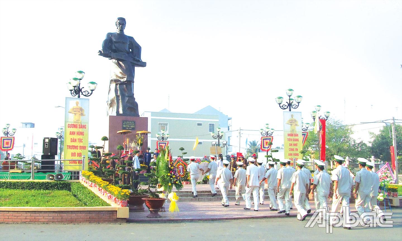 Tiền Giang: Bảo tồn, phát huy các giá trị truyền thống của lễ hội