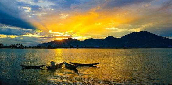 Ninh Thuận: Đầm Nại, vùng nước dân dã với khung cảnh sơn thuỷ hữu tình