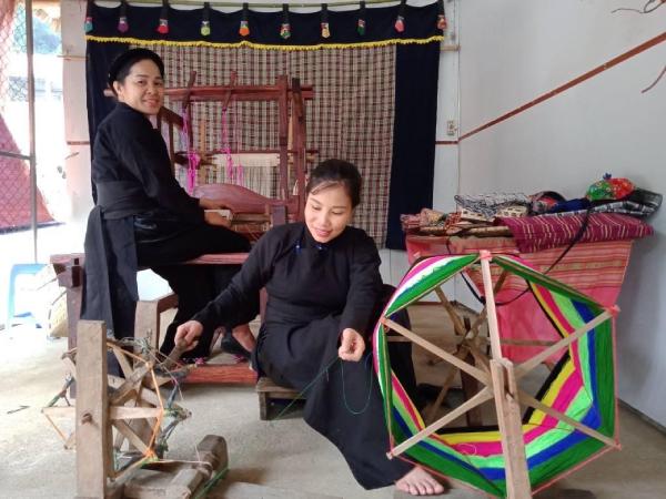 Ba Bể (Bắc Kạn) chú trọng bảo tồn và phát huy giá trị trang phục truyền thống