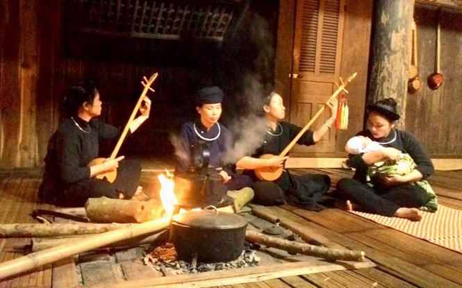 Linh thiêng bếp lửa nhà sàn của đồng bào Tày, Tuyên Quang