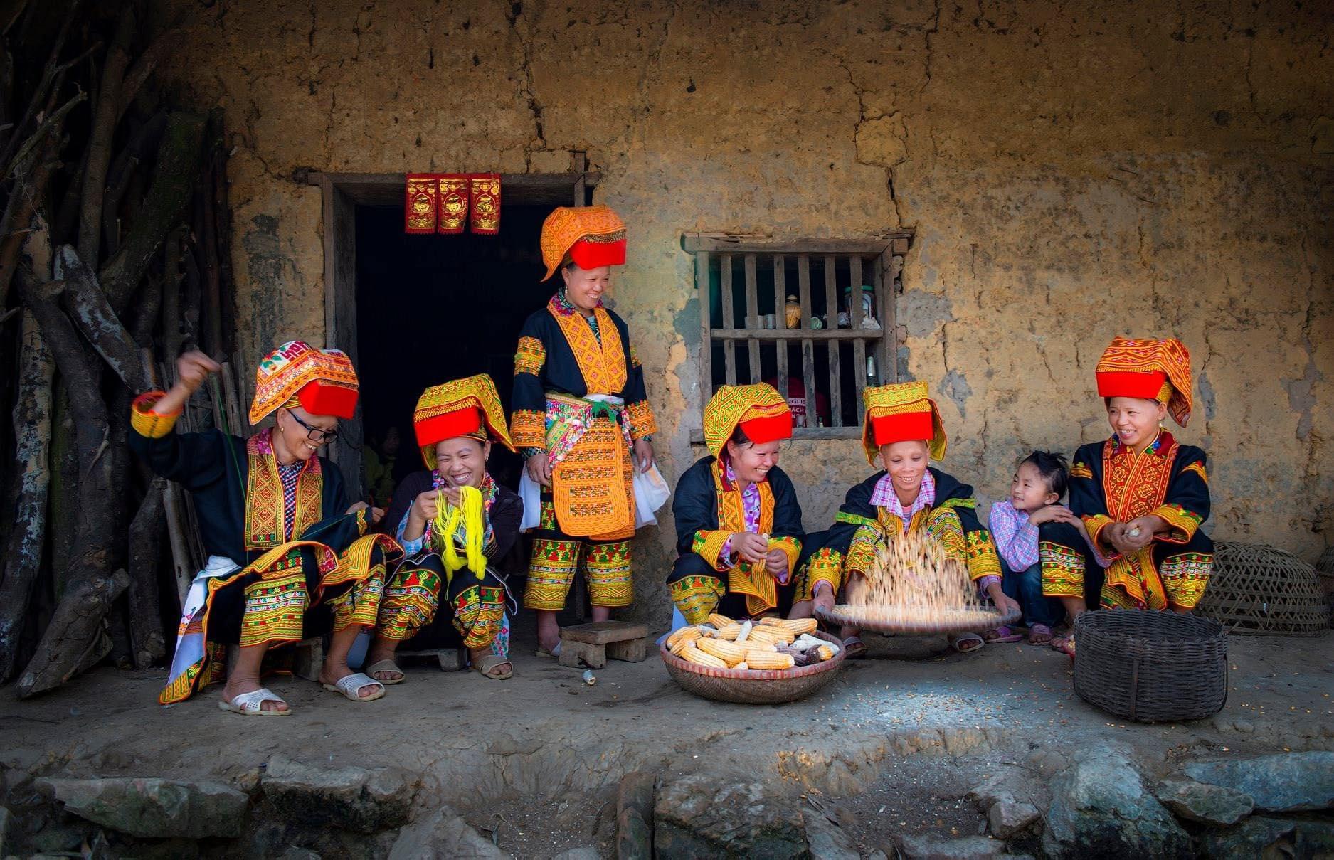 Nét đẹp văn hóa trong trang phục dân tộc Dao