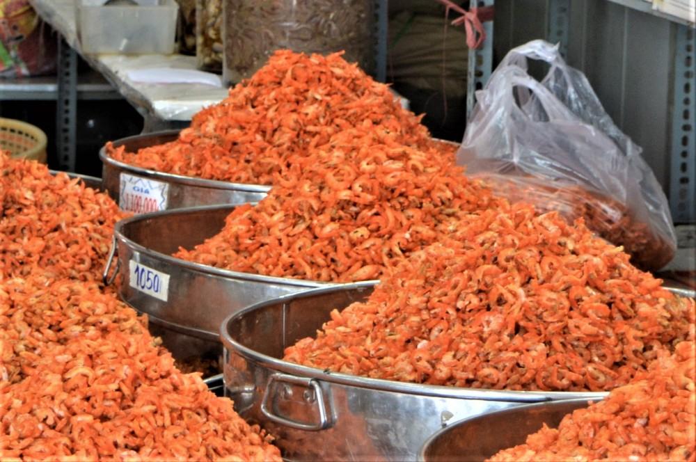 Tôm khô Rạch Gốc (Cà Mau) - đặc sản quà tặng nổi tiếng của cả nước