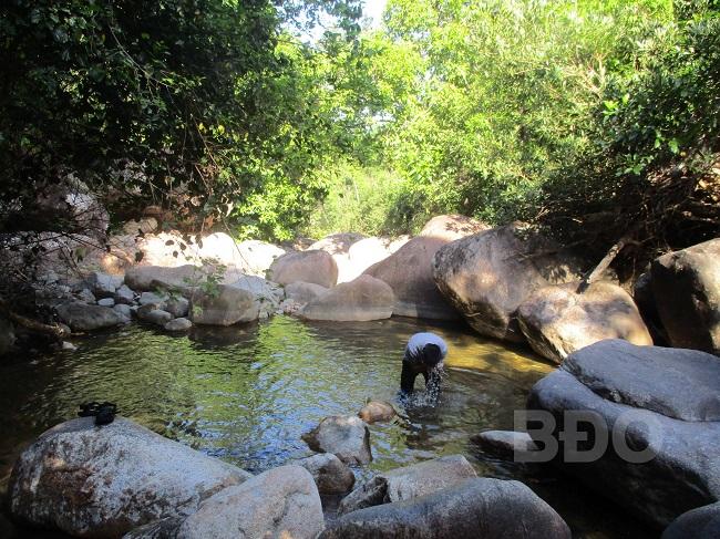 Khám phá suối Hai - Ba - Bốn (Bình Định)