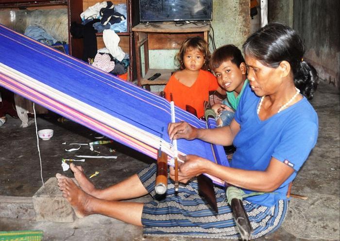 Kon Tum: Về thăm làng du lịch Bar Gốc