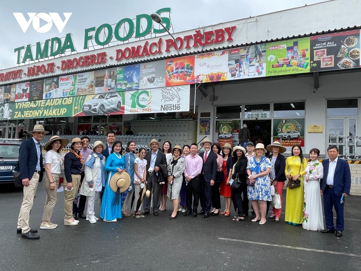 Quảng bá văn hóa Việt Nam tới đại diện các cơ quan ngoại giao nước ngoài tại Cộng hòa Séc