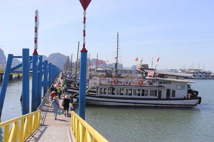 Quảng Ninh: Gỡ khó cho doanh nghiệp kinh doanh tàu du lịch