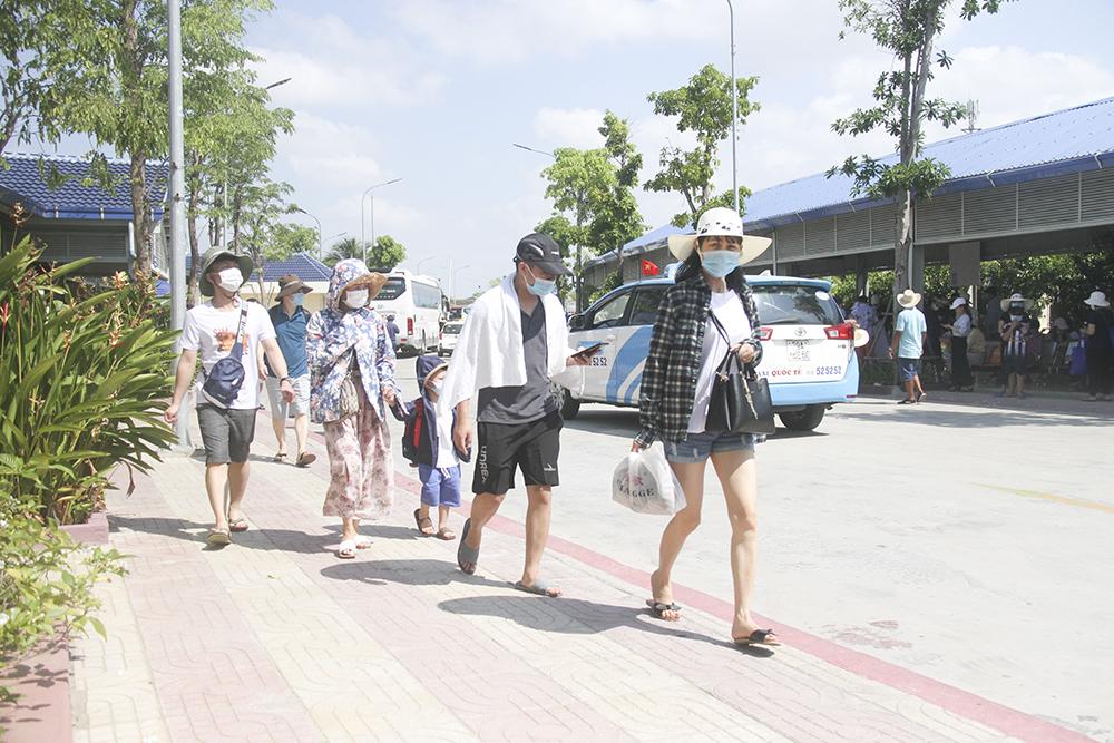 Tìm giải pháp để phục hồi du lịch Khánh Hòa