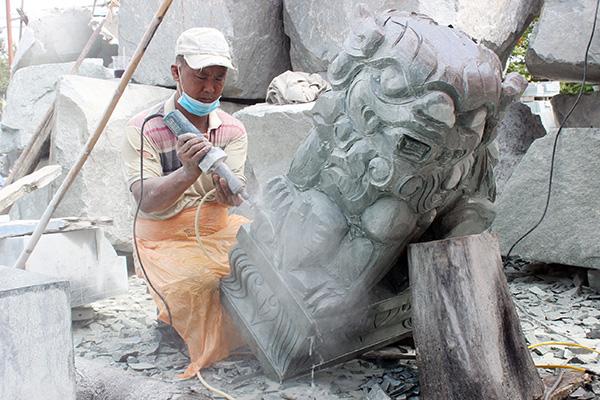 Đồng Nai: ''Giữ lửa'' cho làng nghề điêu khắc đá Bửu Long