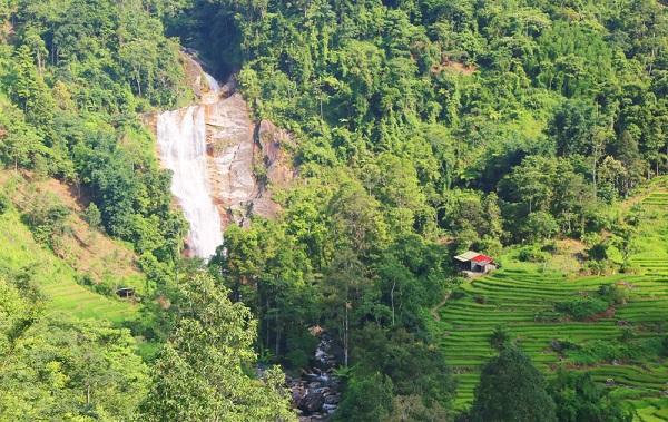 Lào Cai: Khám phá thác Tả Trung Hồ
